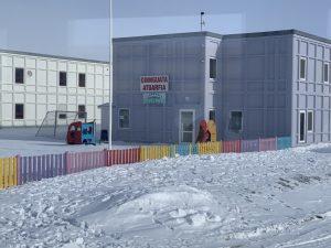 huizen gemaakt van containers